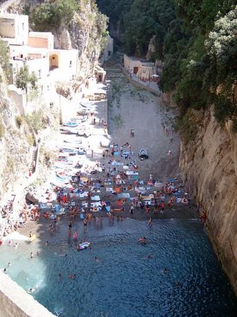 Furore 345x460 Furore, el pueblo más escondido de Italia