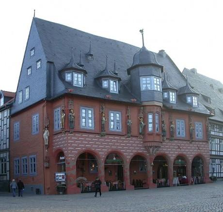 Goslar Hotel Kaiserworth 460x437 Goslar, un pueblo alemán de cuento