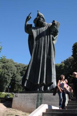 Grgur Ninski 306x460 Grgur Ninski, la estatua del obispo de la fortuna