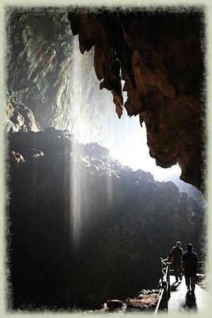 Gruta de Sarawak La gruta de Sarawak, la mayor cámara subterránea del mundo