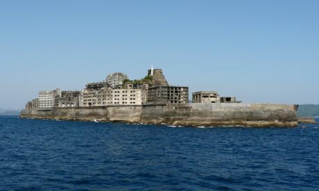 Hashima mar 460x276 La isla abandonada de Hashima