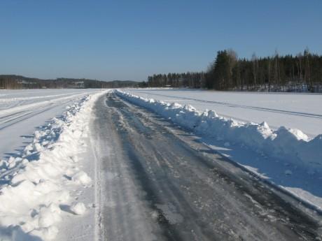 Ice road saimaa 460x345 Carreteras sobre el hielo