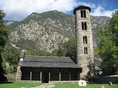 Iglesia Santa Coloma Andorra 460x345 Las iglesias románicas de Andorra