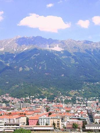 Innsbruck 345x460 El Tirol: historia entre montañas