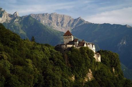 Liechtenstein Castillo de Vaduz 460x305 Liechtenstein, la pequeña joya alpina