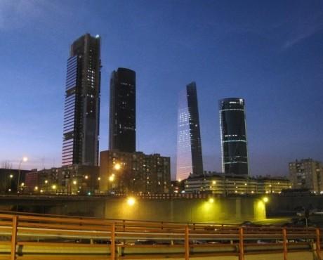 MadridSkyline2008 460x370 Cuales son los edificios más altos de España