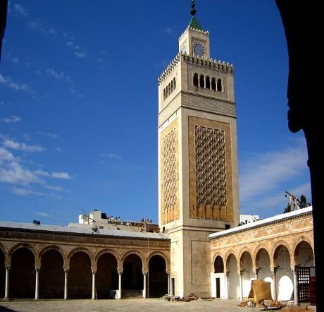 Mezquita Túnez 460x442 La medina de Túnez, una caja de tesoros