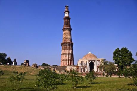 Minarete de Qutb 460x306 El minarete más alto del mundo