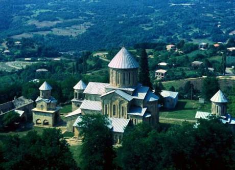 Monasterio de Gelati 460x332 La Catedral de Bagrat y el monasterio de Gelati