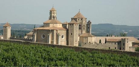 Monestir de Poblet 460x223 El gran monasterio de Poblet