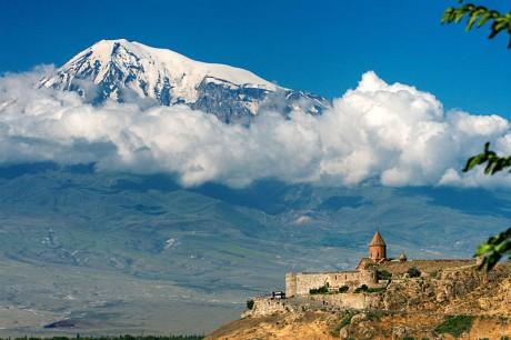 Monte Ararat 460x306 En busca del Arca del Noé
