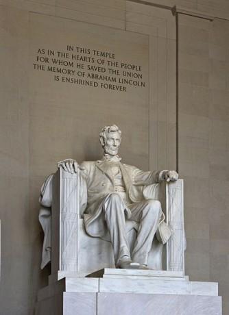 Monumento a Lincoln 334x460 El Monumento a Abraham Lincoln en Washington DC