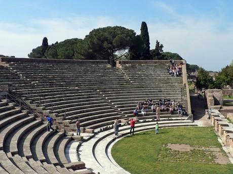 Ostia teatro 460x345 Ostia, el antiguo puerto de Roma