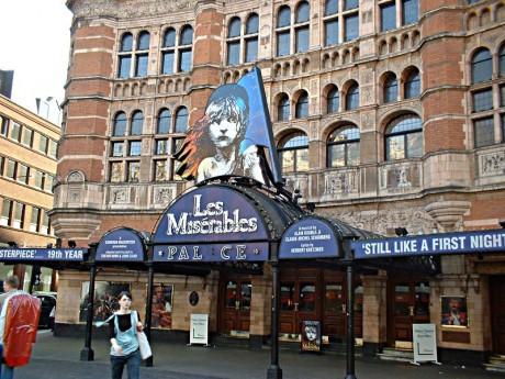 Palace Theatre London 460x345 Les Miserables en Londres