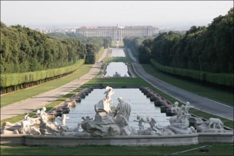 Palacio Real de Caserta 460x306 El inmenso Palacio Real de Caserta