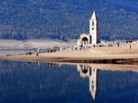 Pantano 460x345 El pantano de Sau y la iglesia que esconde