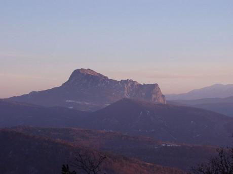 Pico de Bugarach 460x345 El Pico de Bugarach, refugio ante el fin del mundo