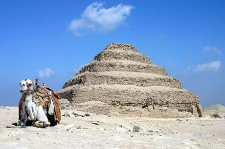 Pirámide de Djoser 460x306 La pirámide de Djoser, la más antigua de Egipto
