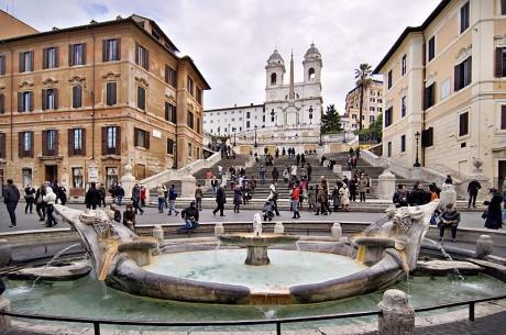 Plaza de España 460x305 La Plaza de España, la más emblemática de Roma