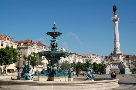 Plaza del Rossio 460x305 Plaza del Rossio, punto neurálgico de Lisboa