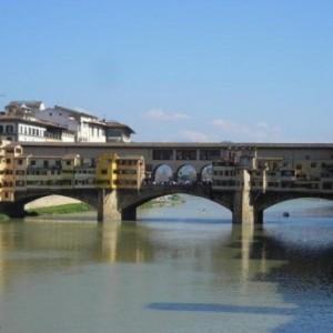 Ponte vecchio el puente de los joyeros florentinosblog de viajes blog - Exteriores puente viejo ...