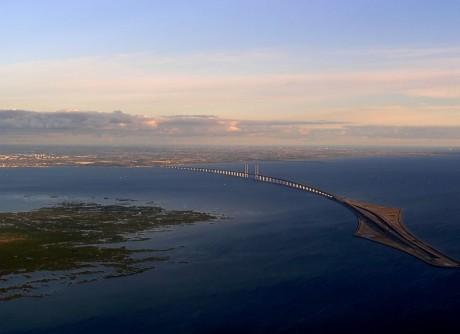 Puente de Öresund 460x334 Un puente larguísimo entre Dinamarca y Suecia
