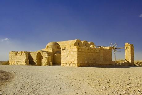 Qasr Amra 460x306 Los castillos del desierto de Jordania