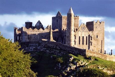 Rock Of Cashel 460x309 Rock of Cashel, una ruina gloriosa en Irlanda