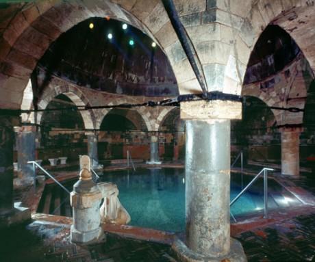 Rudas spa 460x383 Balneario Rudas, típicamente turco