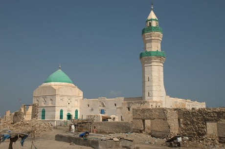 Suakin mezquita de el Geyf 460x305 Suakin, la ciudad de coral del Mar Rojo