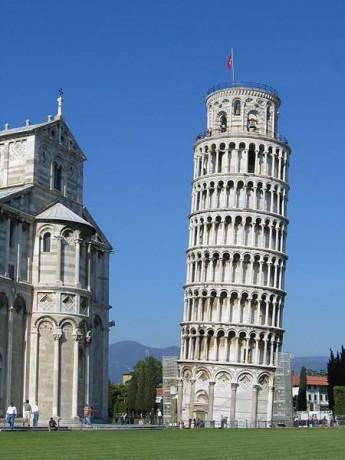 Torre de Pisa 345x460 La Torre de Pisa, una historia de chapuzas y apaños