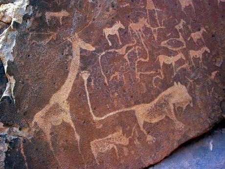 Twyfelfontein 460x345 Petroglifos de Twyfelfontein en Namibia