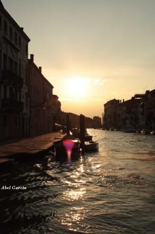 Venècia canal 306x460 Cinco destinos para San Valentín