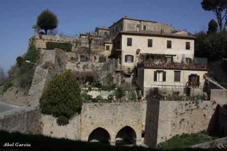 Volterra 460x306 Los pueblos etruscos de la Toscana