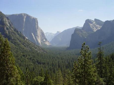 Yosemite1 460x344 Un virus provoca dos fallecidos en el Parque de Yosemite