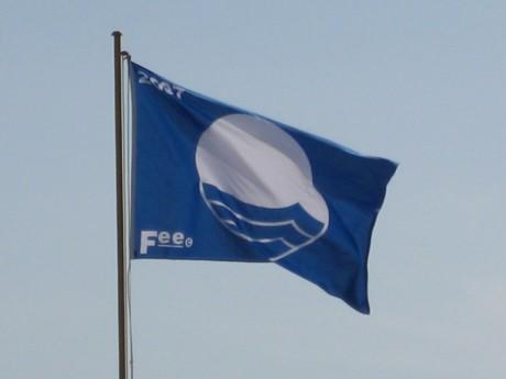 bandera 460x345 603 Banderas Azules españolas en 2011