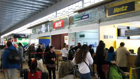 barcelona aeropuerto alquiler de coches La Base 42 de Ryanair en el Aeropuerto El Prat de Barcelona