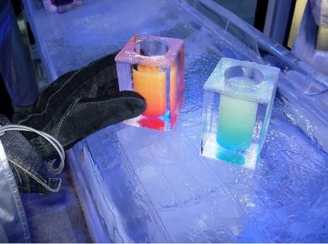 bebidas 460x342 Absolut IceBar, un bar hecho de hielo