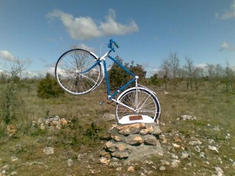 bicicleta 460x345 Hechos paranormales en Antigüedad