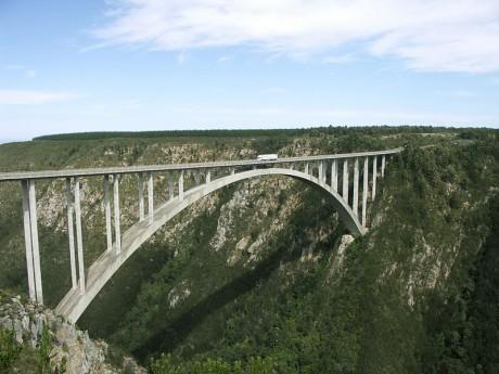 bloukransbridge 460x345 El salto de puenting más alto del mundo: el Bloukrans Bridge