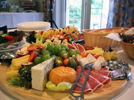 buffet 460x345 El mejor hotel, depende de los clientes