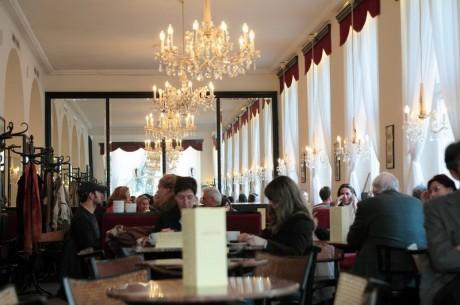 cafe 460x305 Descubrir en Viena el verdadero sentido de tomar un café