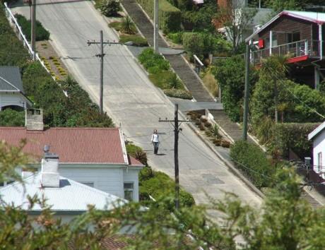 calle1 460x354 Baldwin Street, la calle más empinada del mundo