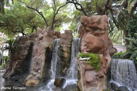 cascada2 460x306 Flamingo, el hotel de lujo más antiguo de Las Vegas
