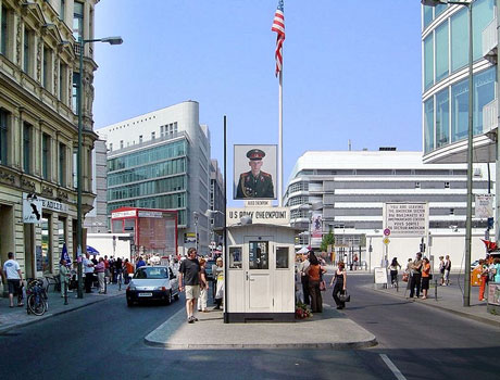 checkpoint charlie berlin Checkpoint Charlie, paso fronterizo