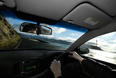 coche3 460x307 Cómo actuar ante accidentes de tráfico