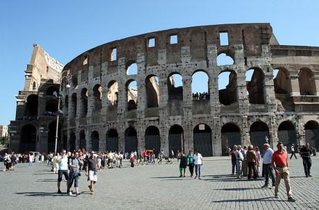 coliseoinclinado 460x303 ¡El Coliseo romano está inclinado!