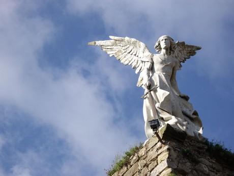 comillas cementerio 460x345 El Ángel Exterminador y el cementerio de Comillas