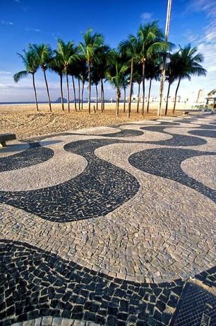 copa1 306x460 Siente el compás en Copacabana