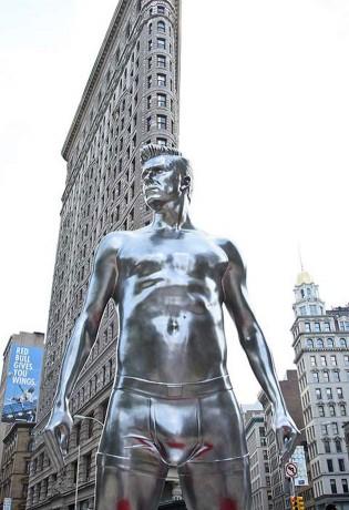 david beckam 315x460 David Beckam en ropa interior por Nueva York
